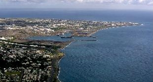 REUNION ISLAND - THE COASTLINE