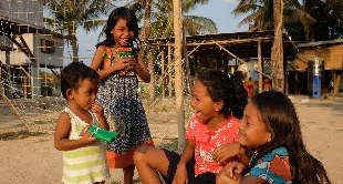 215 - CAMBODIA, A RAY OF HOPE FOR KIDS