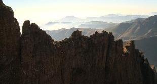 SOUTH AFRICA - THE DRAKENSBERG (13')