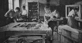 SCHOOL REVOLUTION 1918-1939