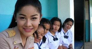 251 - THE LADYBOYS OF THAILAND