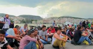 GREECE: MIGRANTS ON THE LEGAL OFFENSIVE