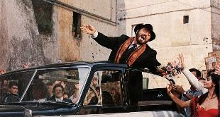 PAVAROTTI, POP TENOR