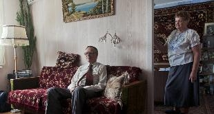 02 - SNAPSHOTS OF RUSSIA: A NATION DIVIDED