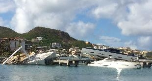 ANTILLES: ST MARTIN TENDS TO ITS WOUNDS
