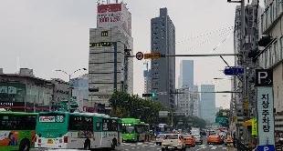 KOREA: SEOUL, THE PRICE OF FREEDOM