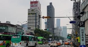 KOREA: SEOUL, THE PRICE OF FREEDOM - 25-11-2017