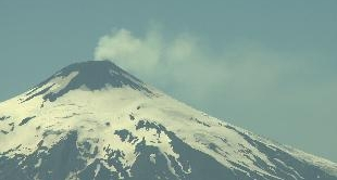 12 -  THE SHADOW OF THE VOLCANOES : CHILE'S MELTING POT