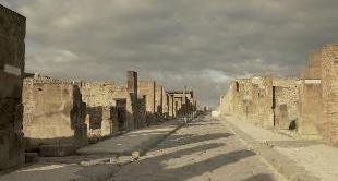 09 - AUGUST 24, 79 : THE DESTRUCTION OF POMPEI