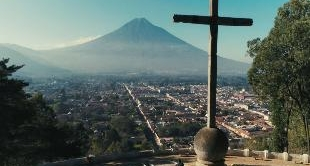16 - GUATEMALA: UNDER THE THREAT OF THE FUEGO GEANT
