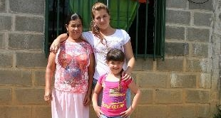 COLOMBIA: DOMESTIC REFUGEES - 10-12-2012