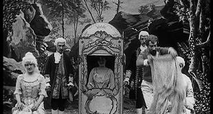 04 - THE WONDERFUL LIVING FAN - THE ENCHANTED SEDAN CHAIR...