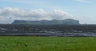 19 - ISLAND  : LIVING ON A POWDER KEG