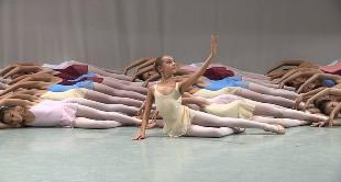 07 - TO ENTER IN THE BEST DANCE SCHOOL OF THE WORLD (DVD BONUS)