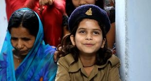 169 - THE CHILD POLICE FROM INDIA