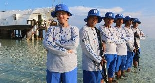 188 - AMONG SHARKS - A REEF PATROL IN THE SULU SEA